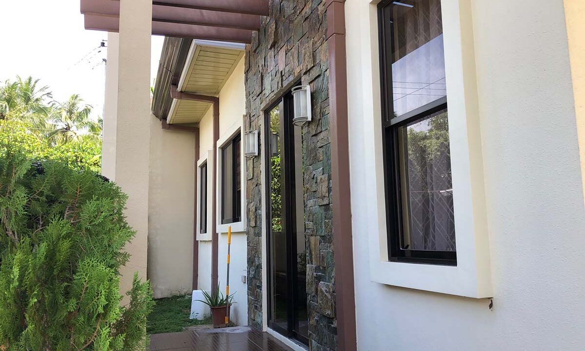 2-Story-Single-Attached-House-For-Sale-in-Woodland-Park-Residences-Yati-Liloan-Cebu-Facade