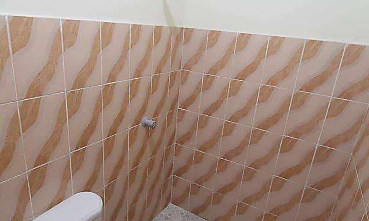 20-Bedrooms-Boarding-House-For-Sale-near-MEZ-Lapu-Lapu-City-Cebu-Toilet