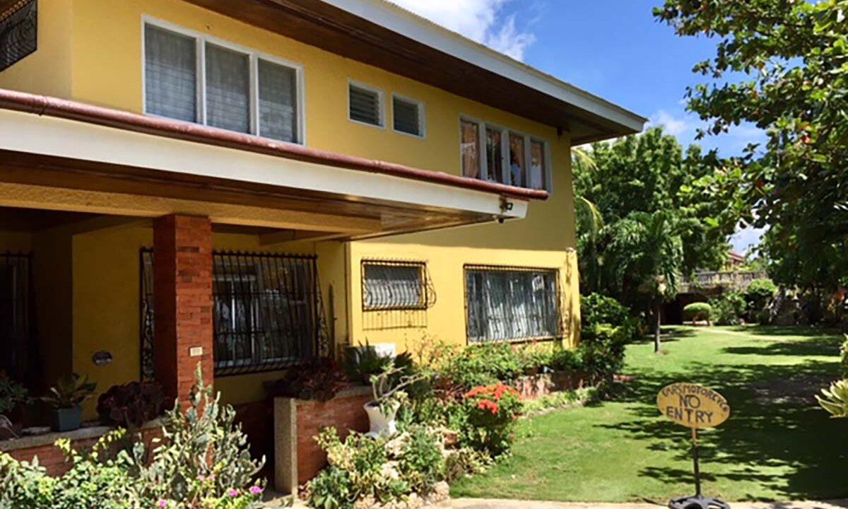 1908-SqM-Resort-with-Antique-Furniture-For-Sale-in-Argao-Cebu-3