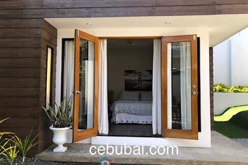 3-Bedrooms-Elegant-and-Spacious-House-For-Sale-in-Silver-Hills-Talamban-Cebu-City-Outside-View