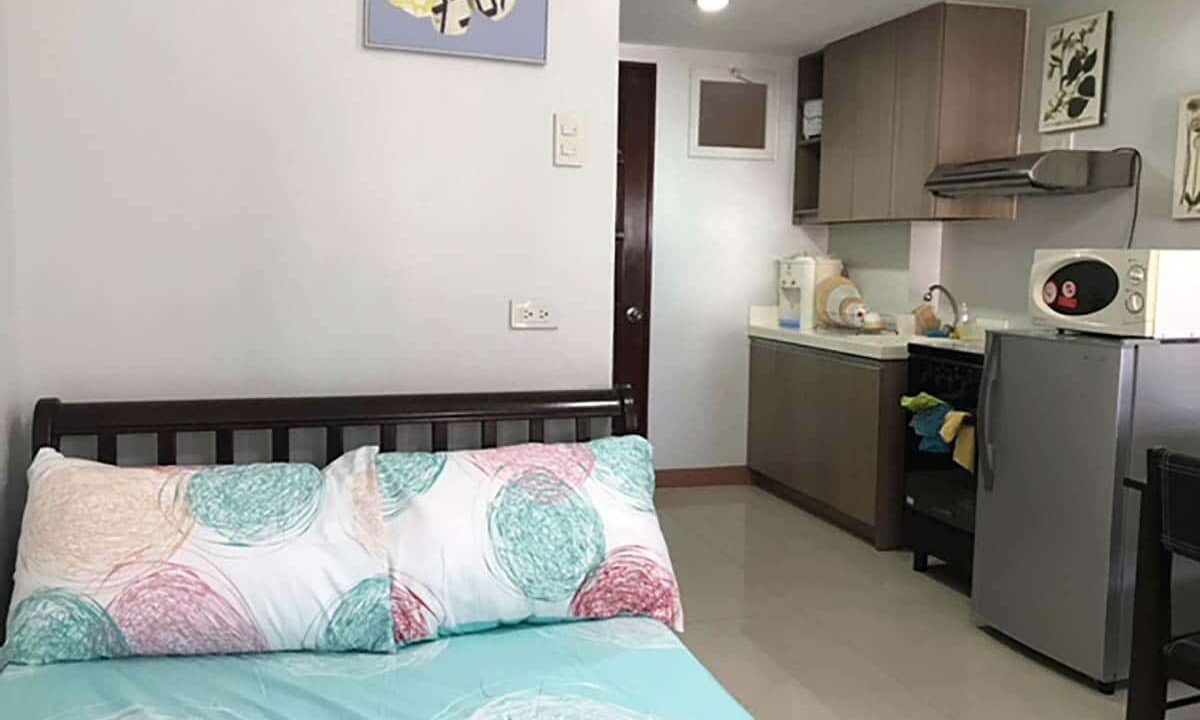 Fully-Furnished-Studio-Unit-For-Rent-in-La-Guardia-Flats-2-Salinas-Drive-Lahug-Cebu-City-Bedroom