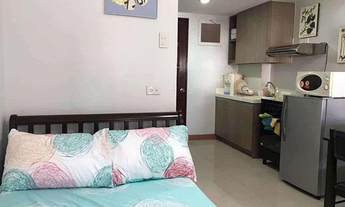 Fully-Furnished-Studio-Unit-For-Rent-in-La-Guardia-Flats-2-Salinas-Drive-Lahug-Cebu-City-Bedroom