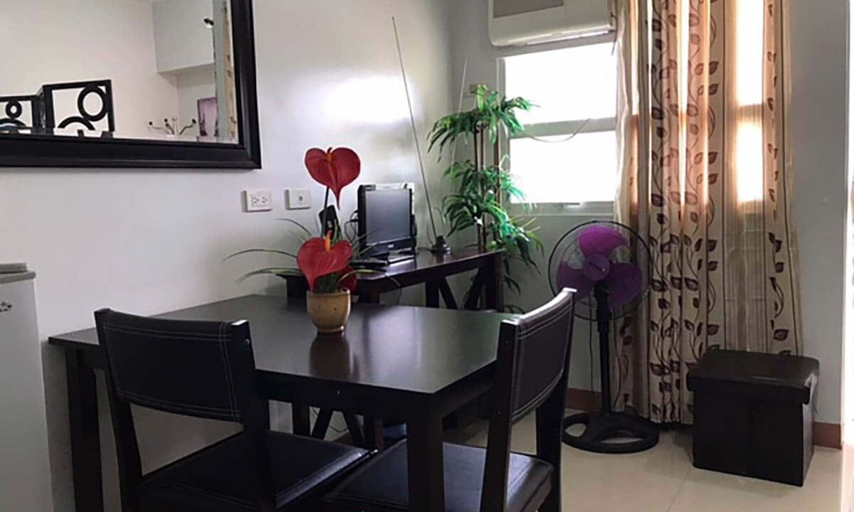 Fully-Furnished-Studio-Unit-For-Rent-in-La-Guardia-Flats-2-Salinas-Drive-Lahug-Cebu-City-Dining-Area