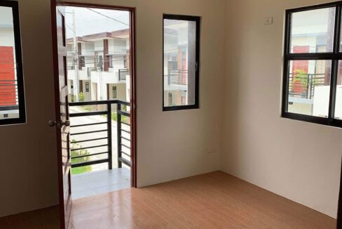RFO-Corner-Townhouse-Unit-For-Sale-in-Woodway-Townhomes-Talisay-City-Cebu-Living-Area