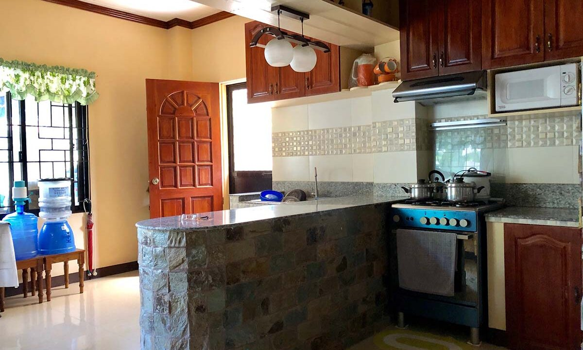Ready-For-Occupancy-House-and-Lot-For-Sale-in-Jugan-Consolacion-Cebu-Kitchen