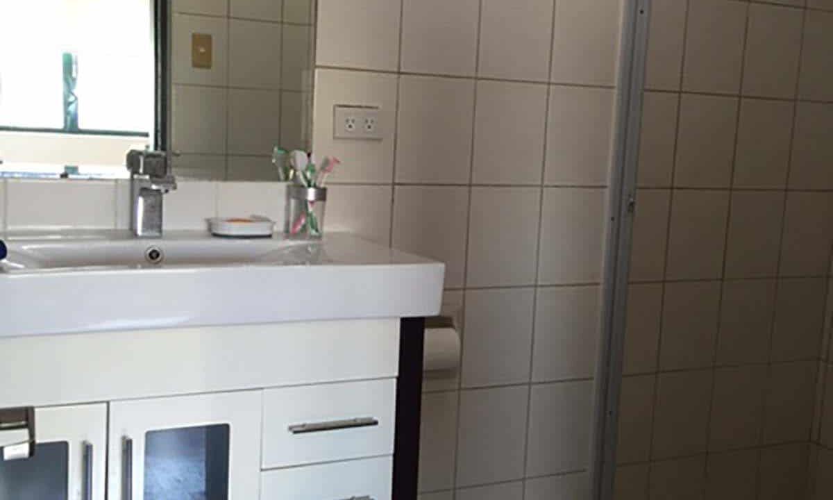 Spacious-1-bedroom-Condo-Unit-For-Rent-in-East-Aurora-Tower-Mabolo-Cebu-City-Toilet-Bath