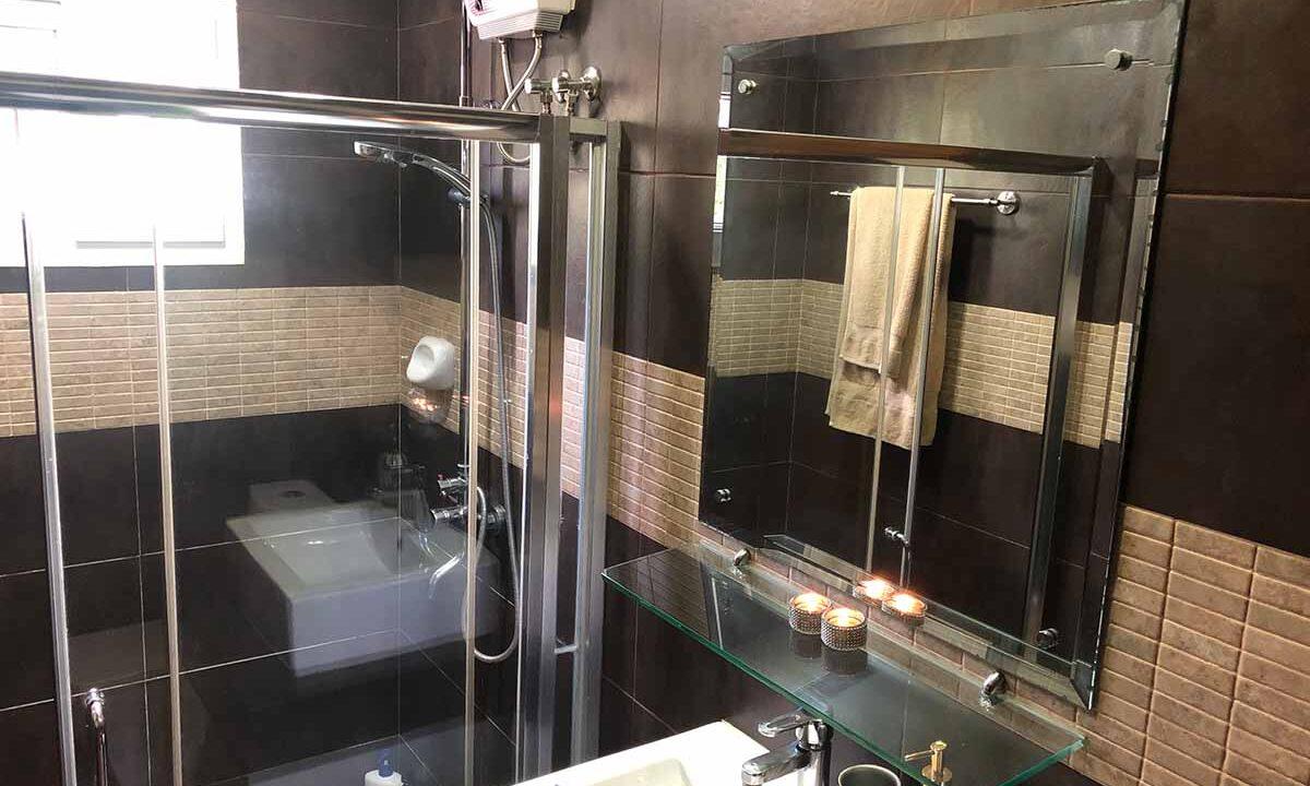 Modern-2-Story-Beach-House-for-Sale-Shower-2