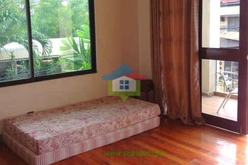 2-Story-House-For-Rent-in-Cebu-with-Swimming-Pool-03