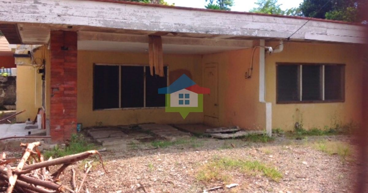 Corner-Bungalow-House-and-Lot-For-Sale-Banawa-Cebu-City-01