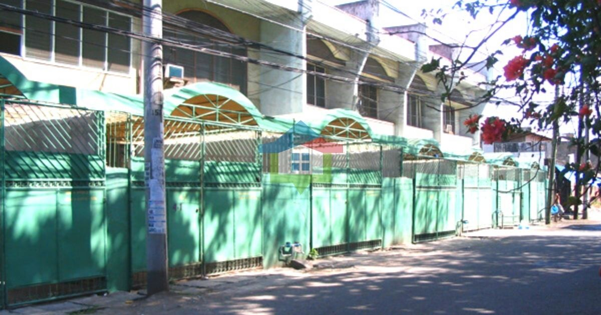 Income Generating 7 Door Apartment and Lot For Sale