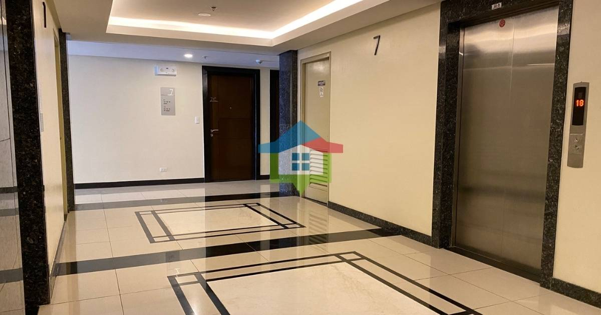 One Bedroom Condo For Sale at The Mactan Newtown Elevator